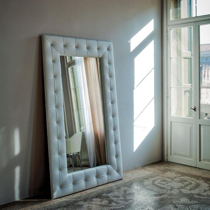 Espejo con marco acolchado Cattelan Italia