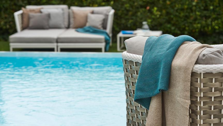 detalle sofa piscina varaschin mallorca