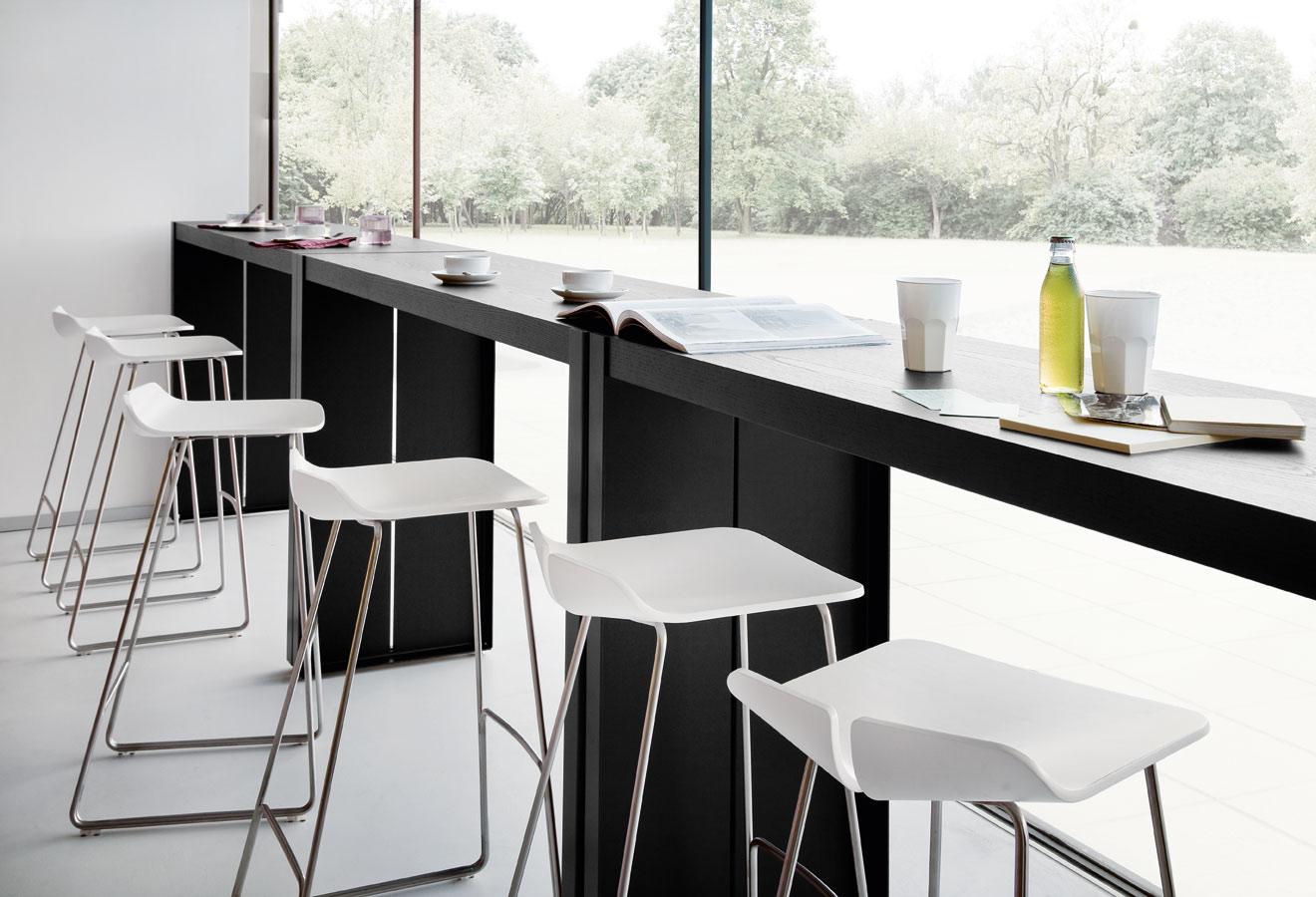 taburetes altos blancos lapalma muebles mallorca